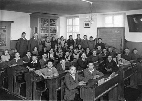 Sekundarschule im Jahr 1936 (Lehrer: Silvan Weiss)