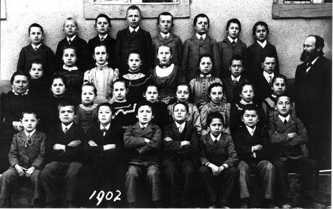 Die Wittnauer Oberschule im Jahr 1902. (Lehrer Johann Fricker)