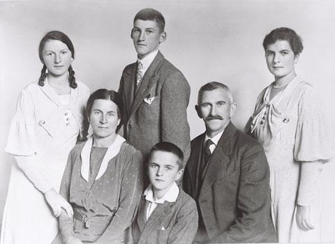 Familie Gustav Tschudi-Beck (Foto E. Grünert, Laufenburg)