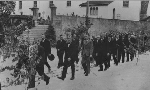 Herrgottstag 1947: Männer (Foto: Kolb, Basel)