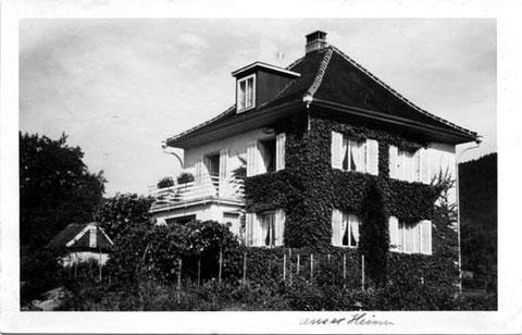 Familie Gottfried Müller-Weiss, Sekundarlehrer (Das Haus hat Jahrgang 1934, die Postkarte wurde 1941 verschickt.)