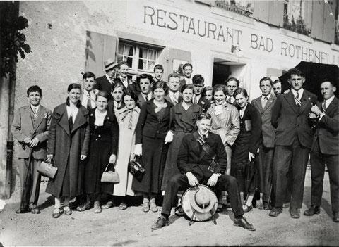 Auch Geselligkeit gehört zum Vereinsleben: Maibummel zum «Bad» Rothenfluh (Mai 1935)