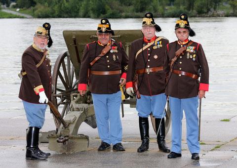 Militari in alta uniforme
