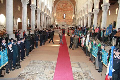 Schieramento nella Basilica di Aquileia