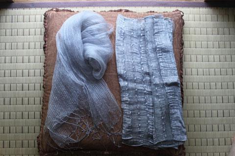 一種の墨染め(糸の織り方が特殊)