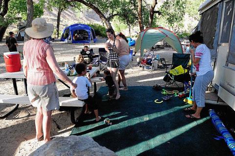 Amerikanisches Campingplatzleben