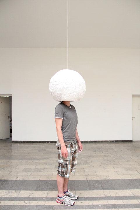 Isolation, Objekt umhüllt mit Wäschetrocknerflusen, 2011