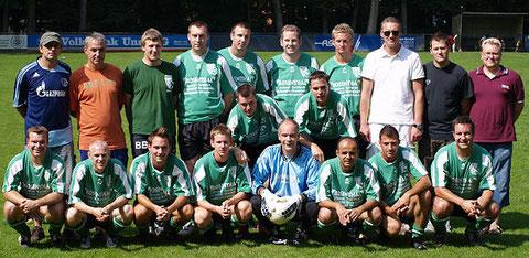 Saison 2009/2010 M.Schneuing, O.von Germeten,B.Brinkschulte, M.Bolle, D.Schneuing, S.Wimmers, Fa.Faust, K.Büsing, S.Nitz, A.Gerber, J.Krause, F.Eckelt, B.Koll,Fl.Faust, J.Heier,S.Grammel,J.Becker,H.Verim, C.Wiechen.,M.Klein Es fehlt:Trainer Manfred Eckelt
