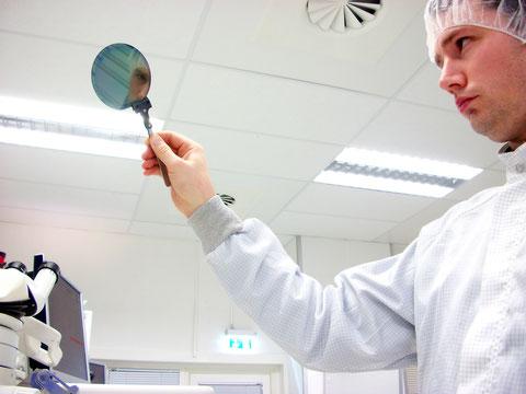 膜厚測定を行うことで塗膜の外観品質を一定に保つことが可能。