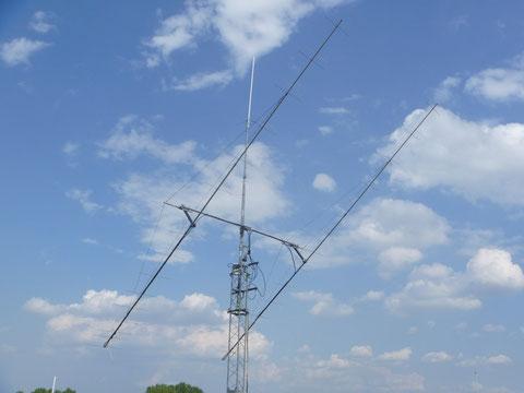 Ecco le antenne ripristinate a tempo di recod grazie alla solerte spedizione dei ricambi da Sandro I0JXX