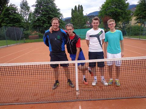 Manuel Meixner, Thomas Traschitzker, Daniel Kappeller und Klausi Brandner (einige Spieler nicht im Bild)