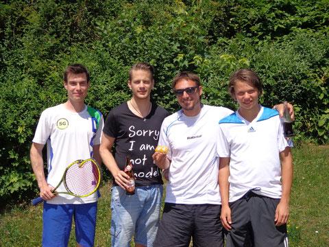 Bernhard Kraler, Thomas Ramsbacher, Michael Pindt und Mathias Florian (nicht im Bild, da zu früh abgehauen - Kilian Hofmann)