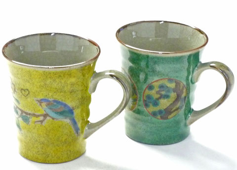 九谷焼 ペアマグカップ 丸紋松竹梅緑塗り&黄塗り金糸梅に鳥 裏絵