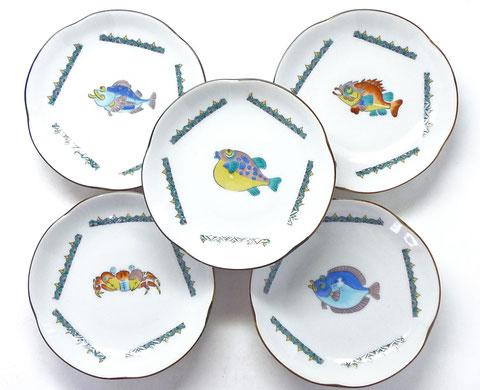 九谷焼 4寸梅型皿揃え 魚紋 絵変り 裏絵 シール焼