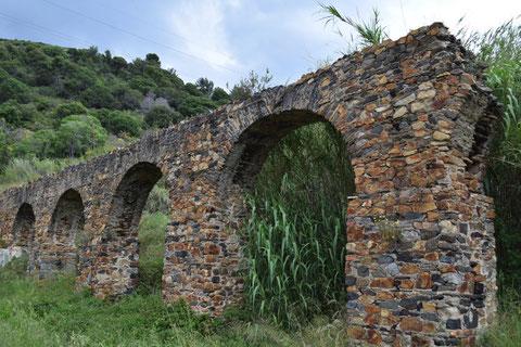 Acueducto de Can Cua (Pineda de Mar, Maresme, Barcelona) Parc del Montnegre
