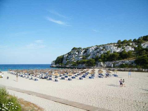 Reichlich Platz am Strand, es wird nie zu eng, auch im Sommer nicht :)))