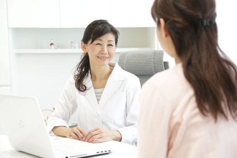 写真:患者様との診療風景です。