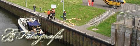 12.05.2012 - HH/Tatenberg: Brennende Motoryacht in der Schleuse
