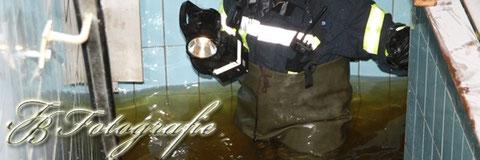 09.02.2012 - SH/Oststeinbek: Wasserrohrbruch im 2. Stock flutet Keller