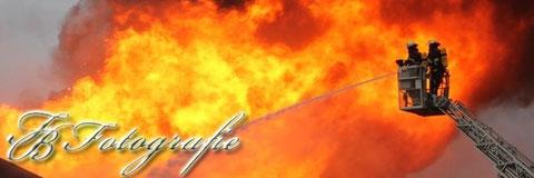 02.01.2012 - HH/Harburg: Lagerhalle eines Großhandels abgebrannt