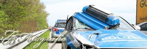 30.04.2012 - SH/Barsbüttel: Streifenwagen verunfallt auf dem Weg zu schwerem Autobahncrash