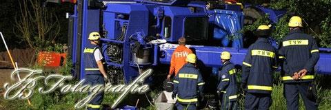 13.07.2012 - HH/Billwerder: Kran kippt auf die Seite