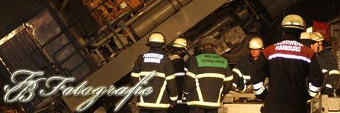 10.11.2011 - HH/Billwerder: Fahrschullokomotive von Brücke abgestürzt