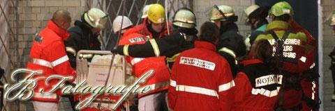 22.11.2011 - HH/Wandsbek: 350 Kilo schwere Frau in Notlage - Feuerwehrgroßeinsatz