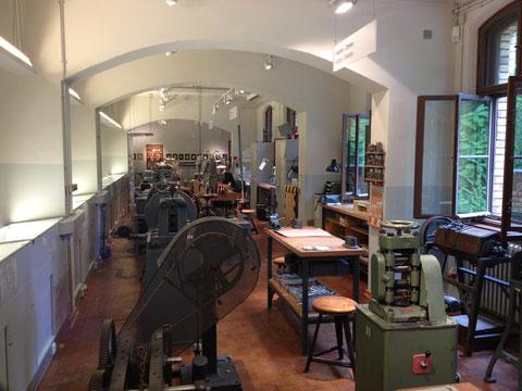 Im August 2013 hatte ich die Möglichkeit im Rahmen eines workshops in die Geräte der manufakturellen Schmuckproduktion im deutschen Technikmuseum eingeführt zu werden.