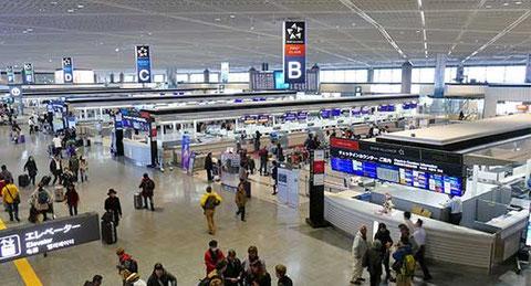 第二ターミナルに比べ、テナントも充実し、賑わいのある第一ターミナル。