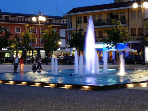 Piazza di Azzano Decimo, Nuova fontana