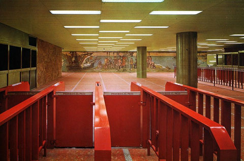 Vestíbulo original de la estación de Avenida de América, actualmente desaparecido. 1973. Colección César Mohedas.