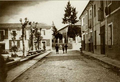 Elda ALICANTE. Plaza de la Prosperidad situada en el barrio del mismo nombre, año 1939.