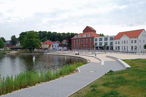 Seepromenade mit Claudiushof (H.P.Lippardt)