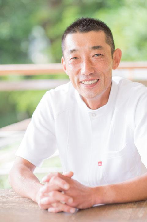 ねこ背セラピスト 小坂 晋一