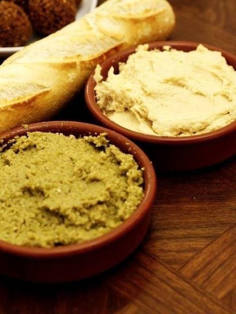 Tapenade d'olive verte et son copain le Houmous
