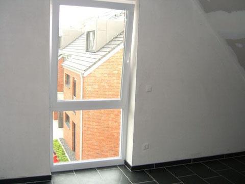 Gästezimmer/Büro mit bodentiefem Fenster