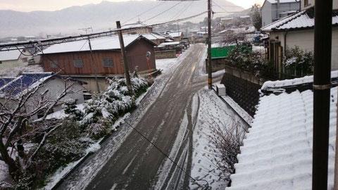 朝から雪だべ~