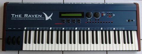 Un sublime synthé bleu qui me sert aussi de clavier maître.