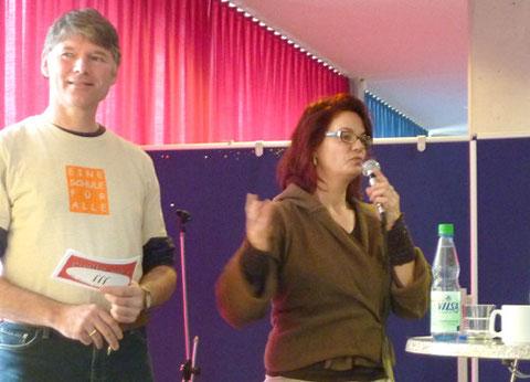 """Elke Gerdes und Robert Benckert vom Verein """"Eine Schule für Alle Bremen e.V."""""""