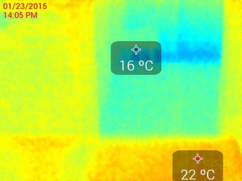 玄関ホール床表面温度サーモ画像