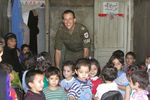 Der Alltag kehrt wieder: Eröffnung eines Kindergartens in Kabul, Afghanistan