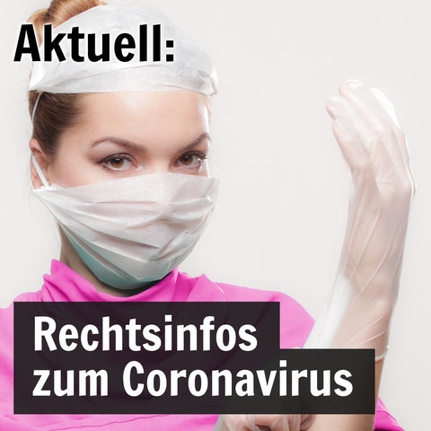 Krankenschwester trägt Mundschutz und Gummihandschuhe