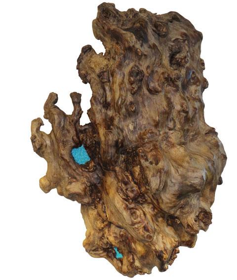 Wandobjekt aus Wurzelholz mit 2 blauen Farbglas-Einsätzen
