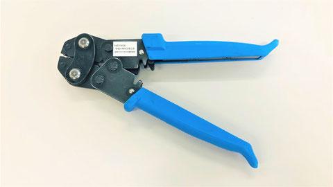 熱電対部と接続電線を圧着する専用工具