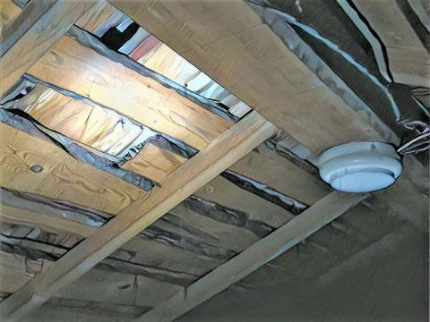 屋根裏感知器