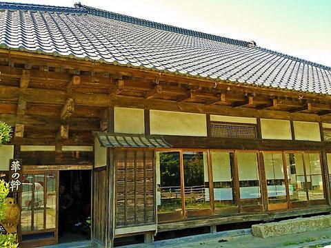 木造の場合は2階までのみ民泊