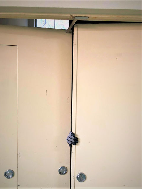 順位調整器が防火戸閉鎖時に機能するかを試験