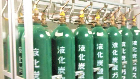 CO₂は不活性ガス消火設備