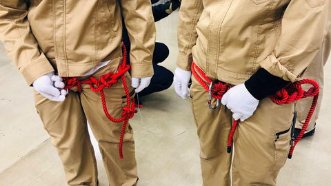 ロープの結び方 チロリアン渡過